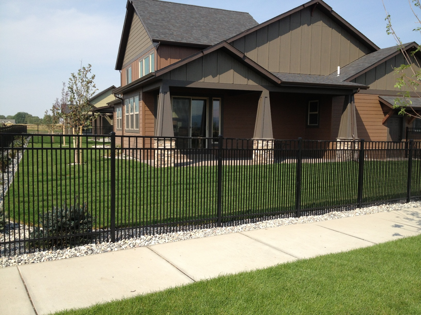 Metal and vinyl fences have a high-end curb appeal and there is no maintenance required.
