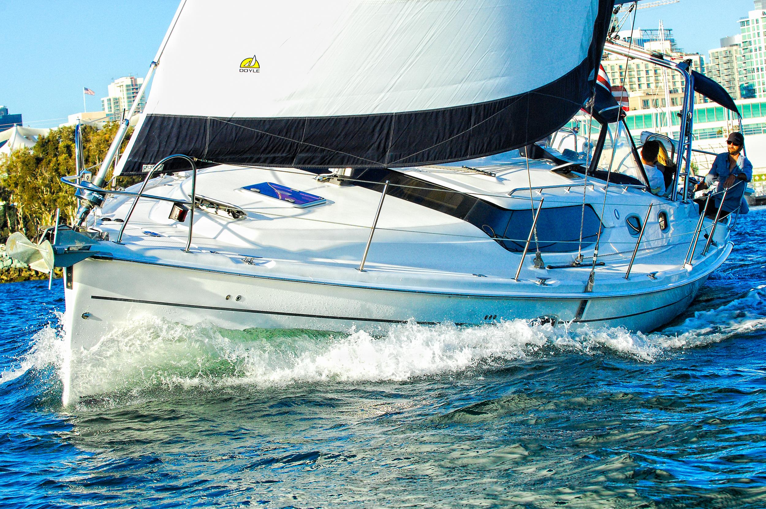 Sailing-close-up-bow-splash.jpg