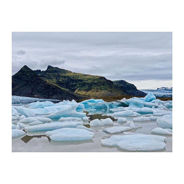 Iceland 🇮🇸 . . . #iceland #icelandtrip #visiticeland #guidetoiceland #wheniniceland #iceland🇮🇸 #icelandroadtrip #icelandscape #landscapephotography #landscape #icelandtravel #traveliceland #icelandicnature #lostiniceland #VSCO #vscofilter #vscocam #la_minimal