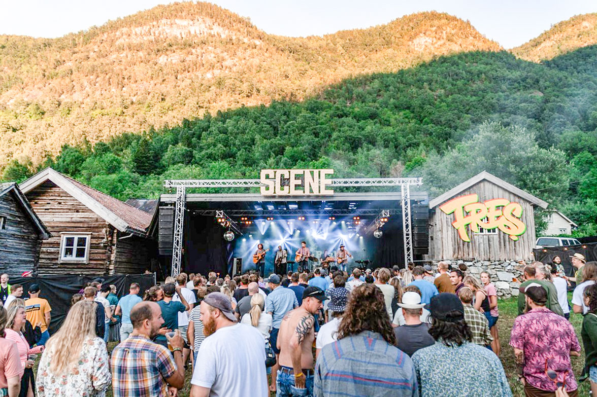 Festivals - If there is something we are good at, it is festivals and joy. Small towns depend on having fun and in both Vik and our neighbouring towns Fresvik and balestrand you will find music festivals and more!Fres music festivalThe Raspberry festival in VikBalejazz i Balestrand
