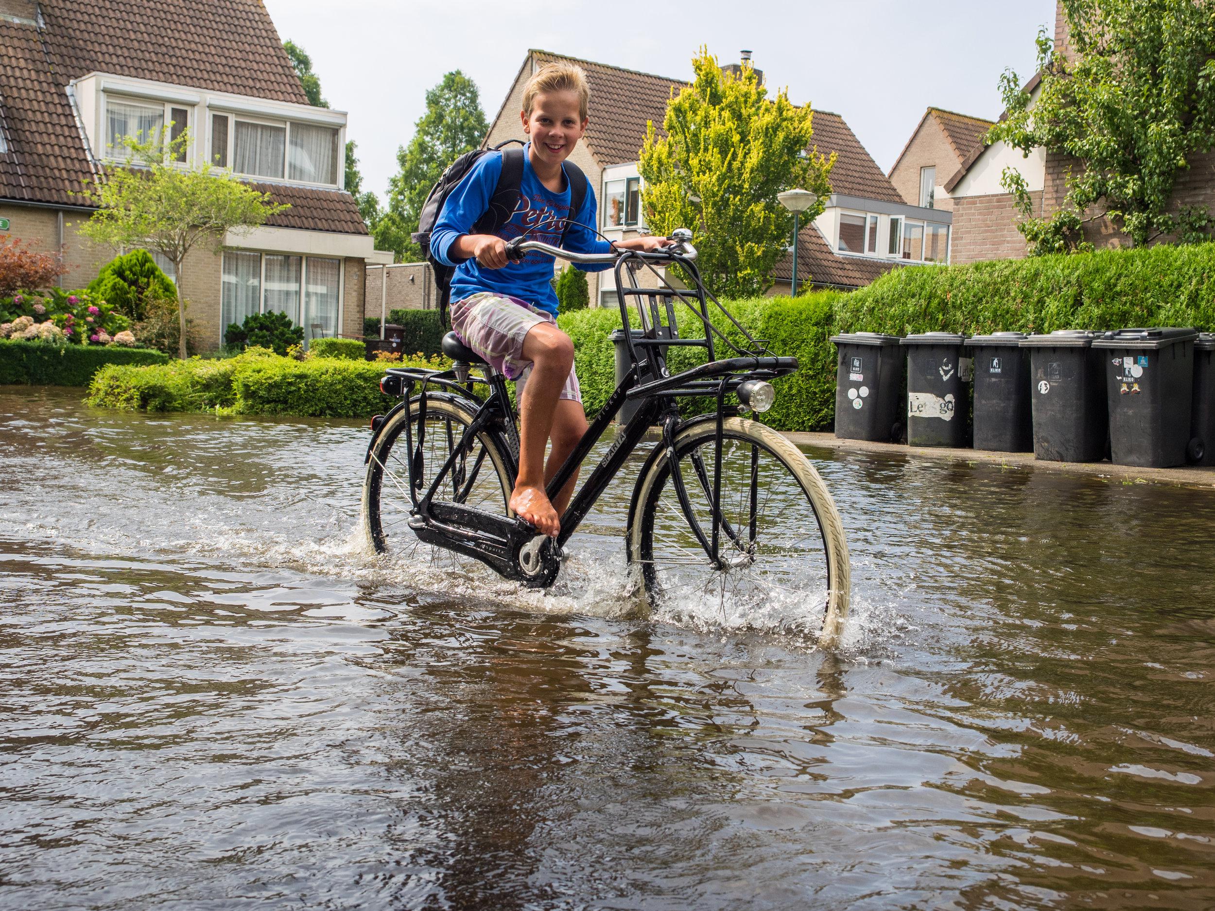 Arnoud van otterloo   https://www.flickr.com/photos/avanotterloo/14770481572/