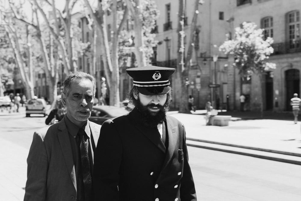 άνδρας με στολή με τον πατέρα του