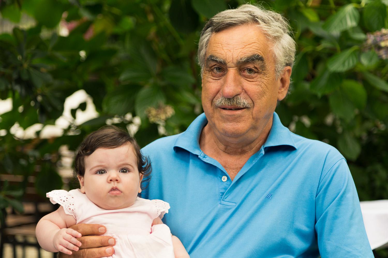 Πορτραίτο του παππού μαζί με την εγγονή του.