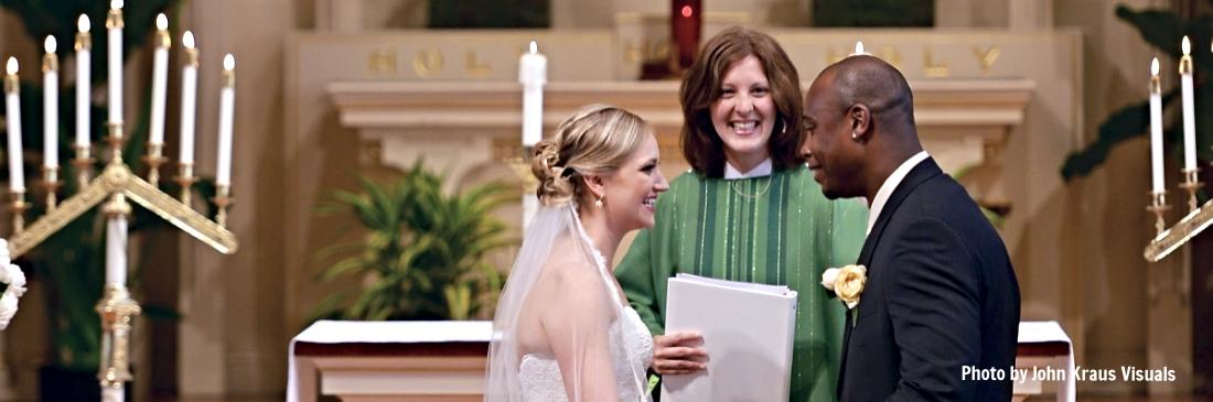 Rev. Bekah Davis officiates at a St. Mark's wedding