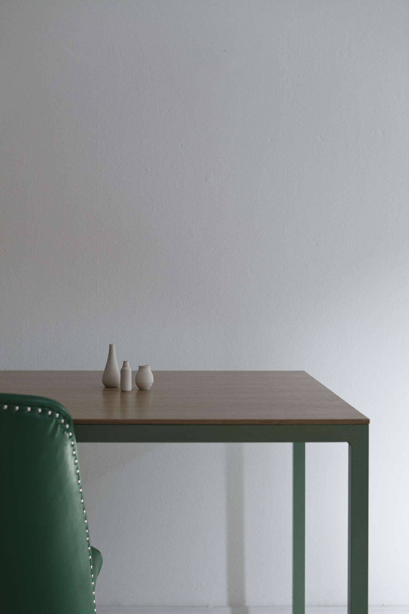 table-tib-6199.jpg