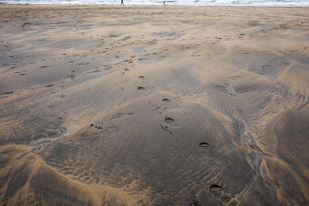 web_walk on beach 2040.jpg