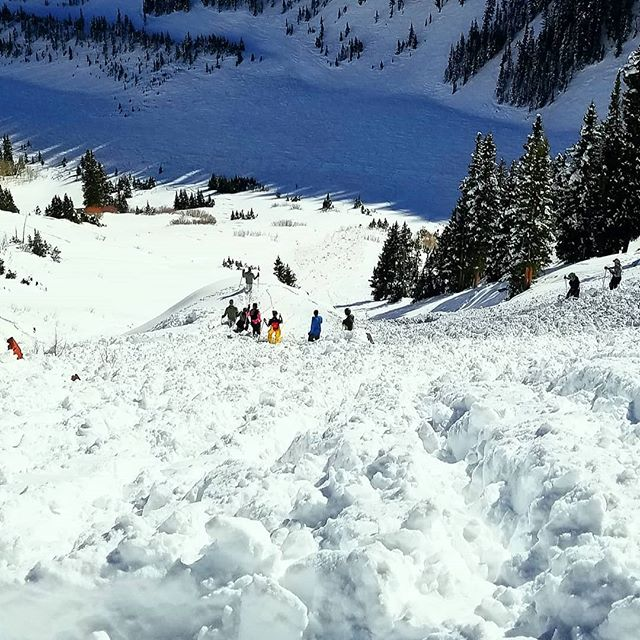 I'd like to take a quick break from the #100daysonaSUP photo journal to throw a big #shaboomee #shoutout to all those Highlands boot packers who are earning their turns by making all that steep terrain safe and accessible for the rest of us! Please, tag a boot packer and and share the love!! #bootpack #yestoadventure #supyes