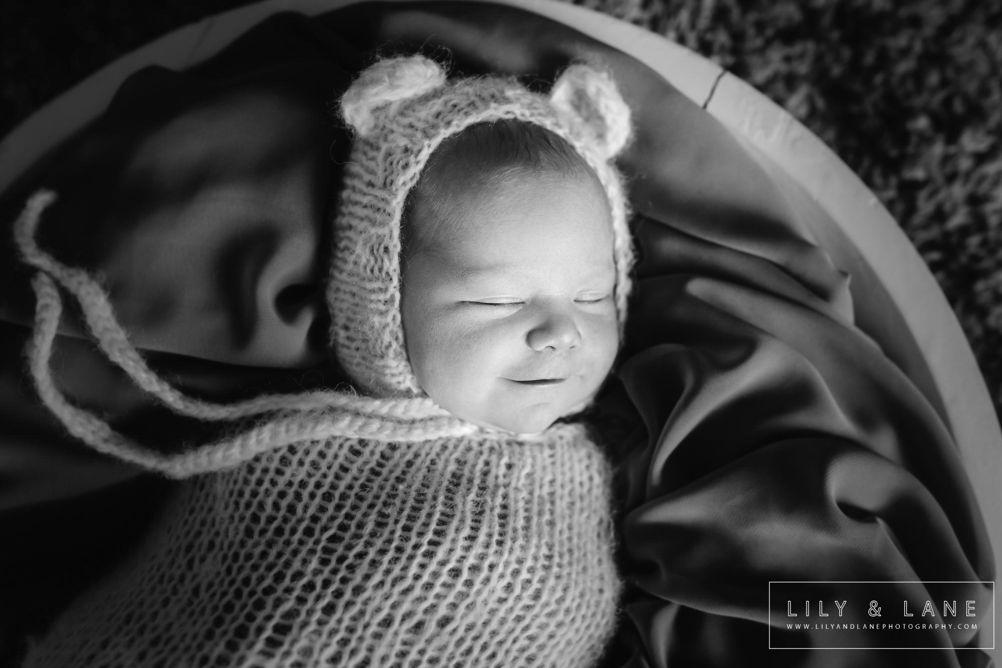 LilyandLane_VictoriaBC_NewbornPhotographer (18).jpg