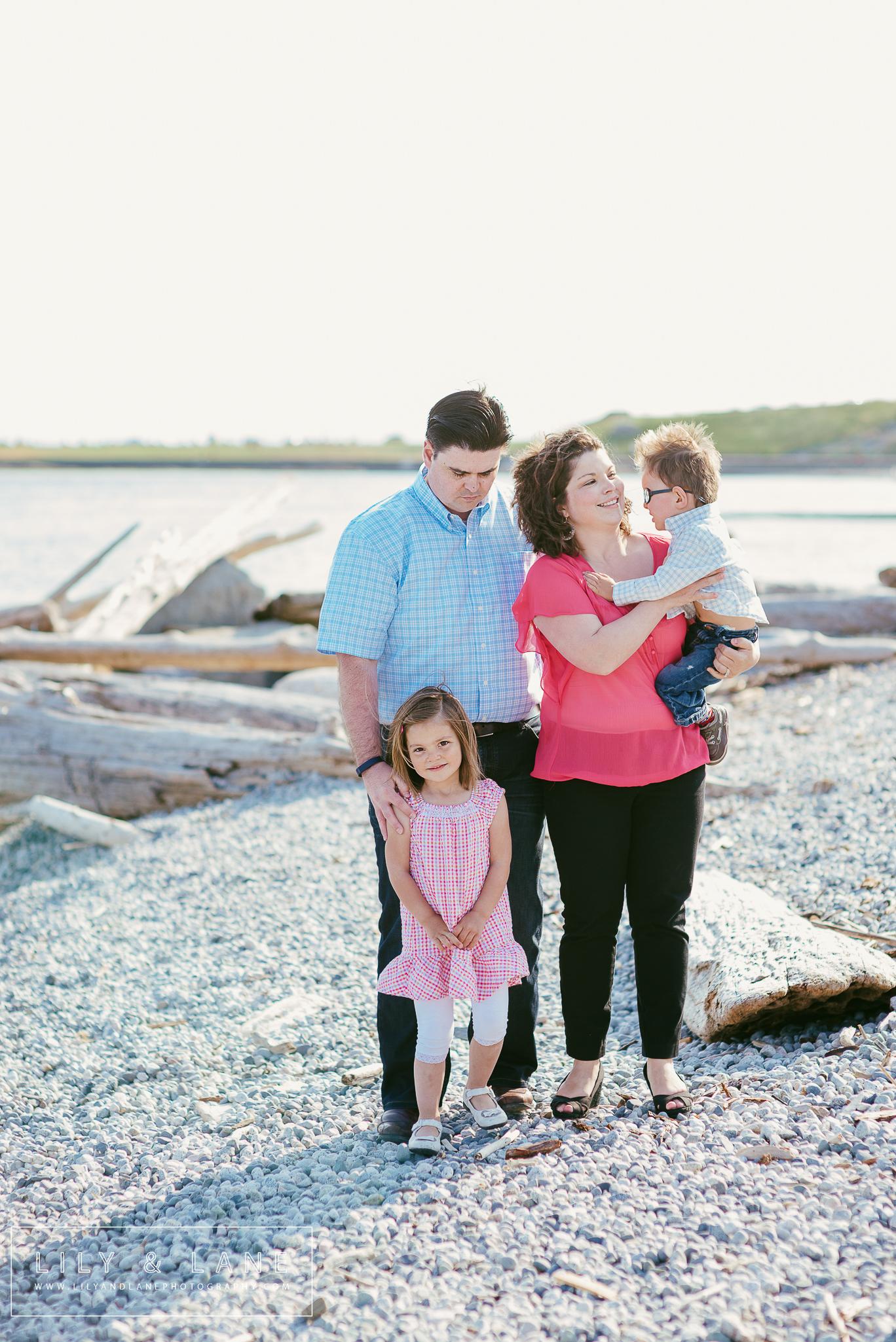 Nicola_Reiersen_Family_Photographer_Victoria_BC_Beach_Session.jpg