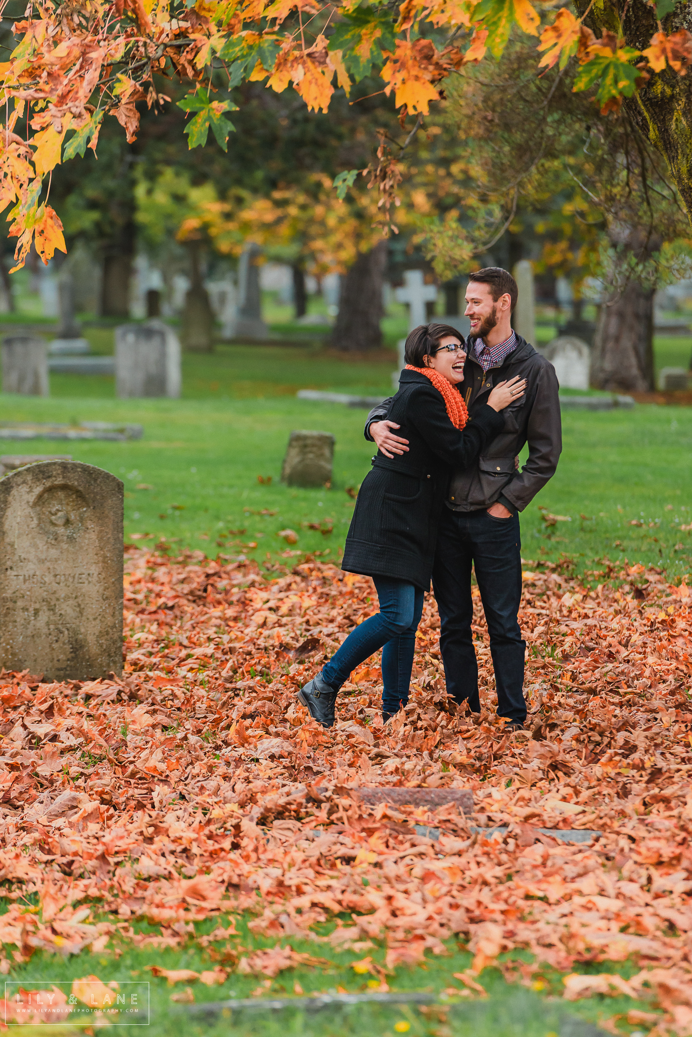Nicola_Reiersen_Photography_Cemetery_Engagement_Session.jpg