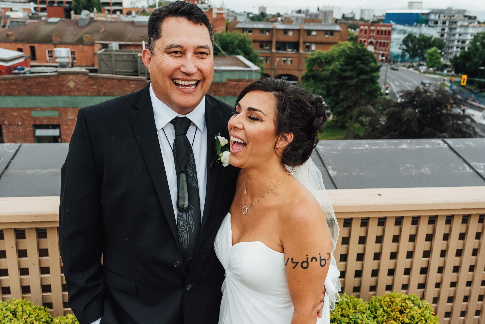 ONOWA + PAUL // SWAN'S HOTEL ROOFTOP WEDDING