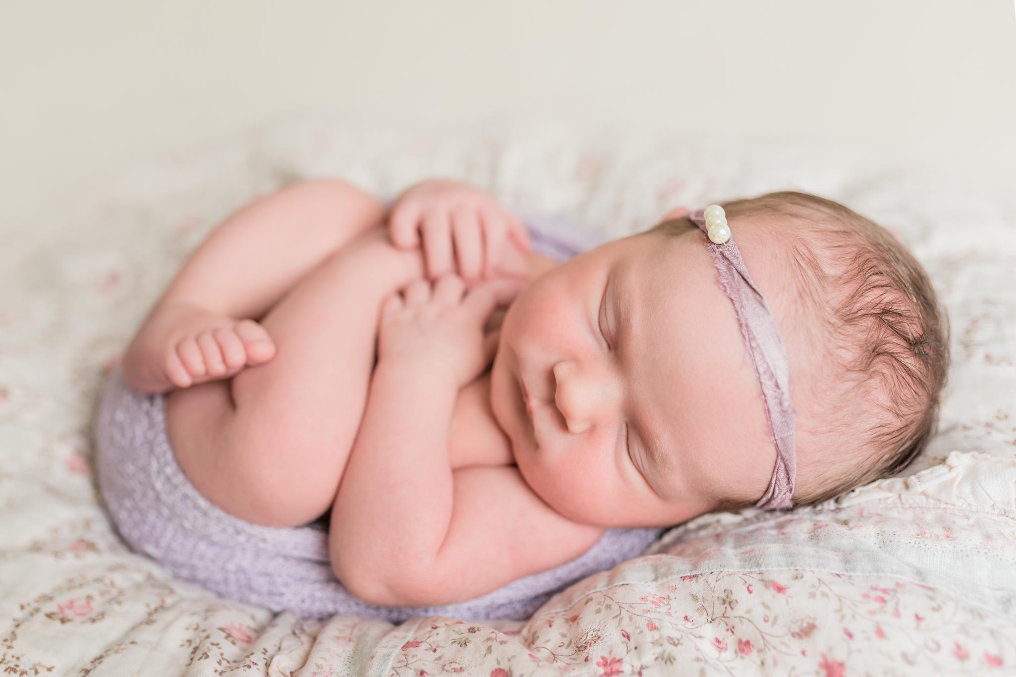 Lily_and_Lane_Victoria_BC_Newborn_Photographer-34.jpg
