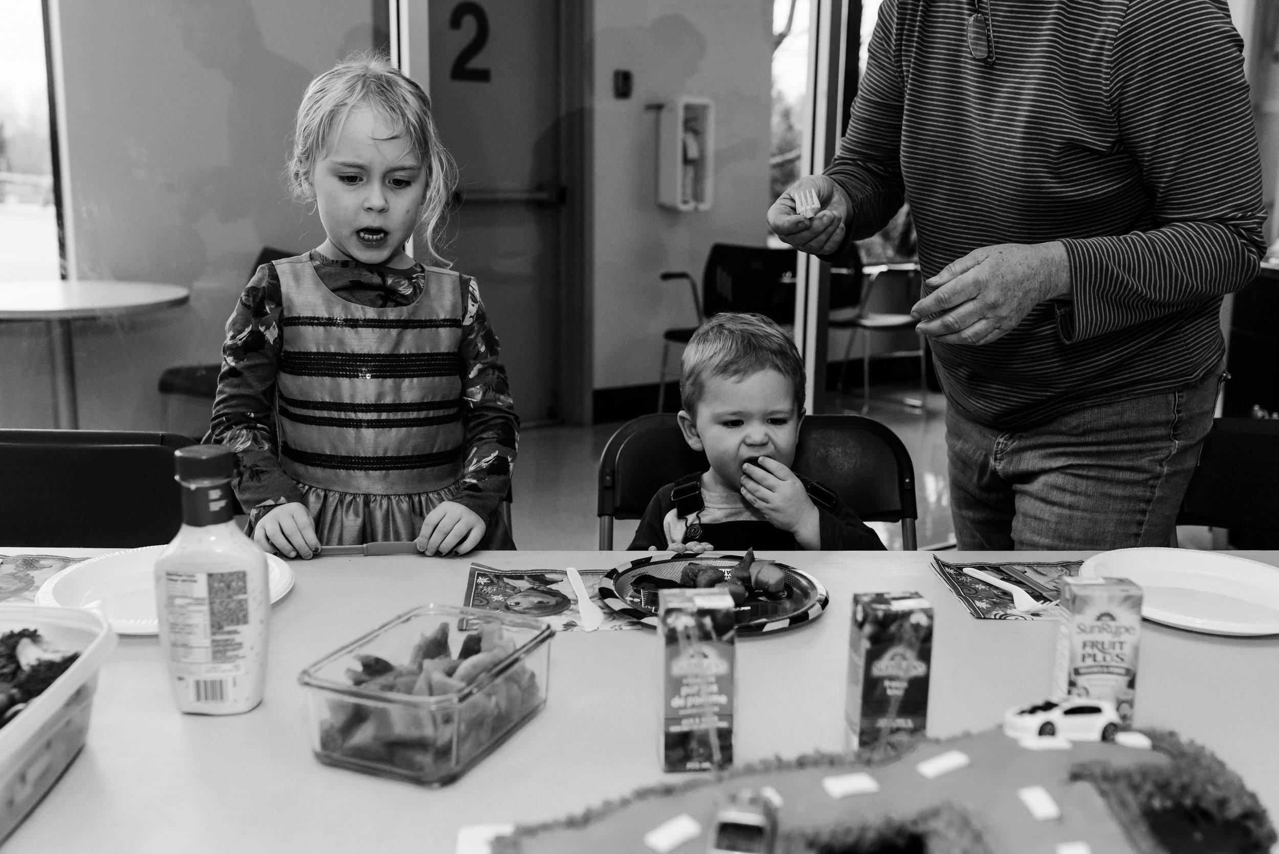 Nicola_Reiersen_Photography_Kids_Birthday_Pool_Party (23).jpg