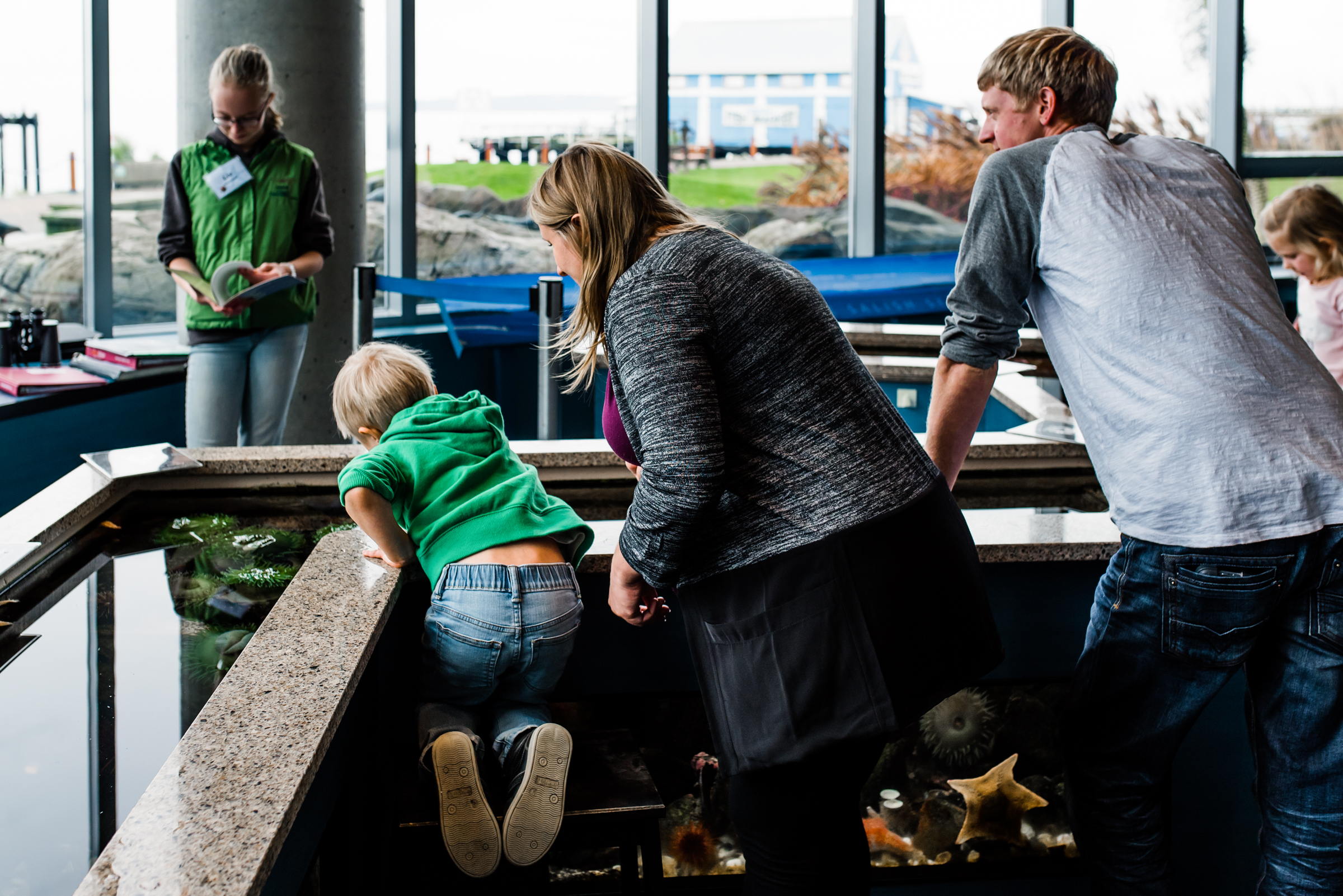 Nicola_Reiersen_Photography_Victoria_BC_Aquarium_Maternity_Session (140).jpg