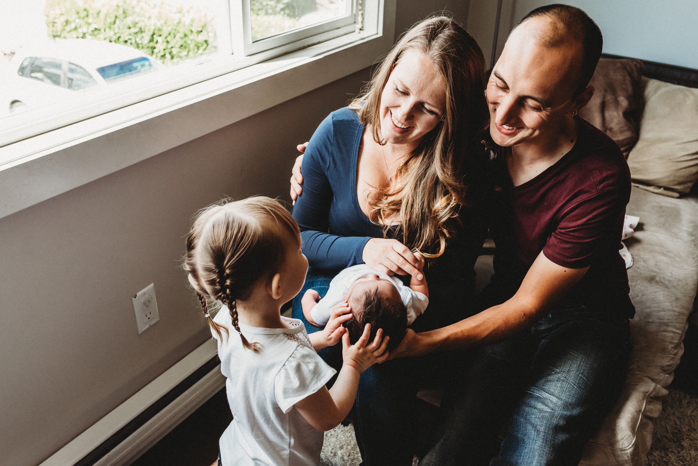THE ALBURYS // IN HOME FAMILY NEWBORN SESSION