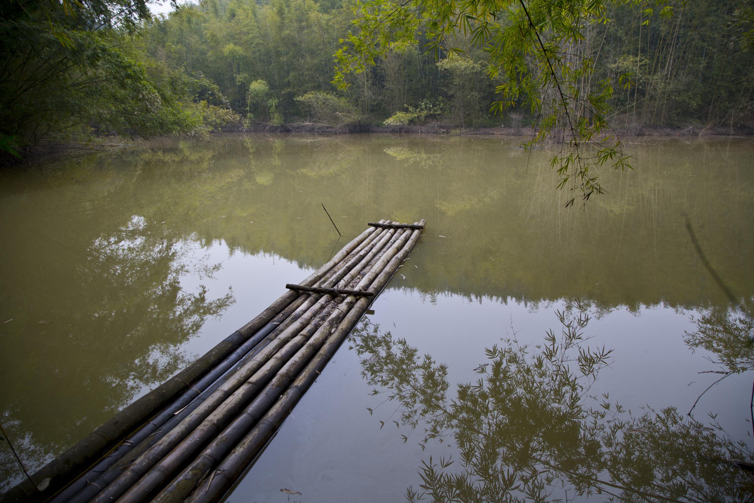 bamboo-raft.jpg