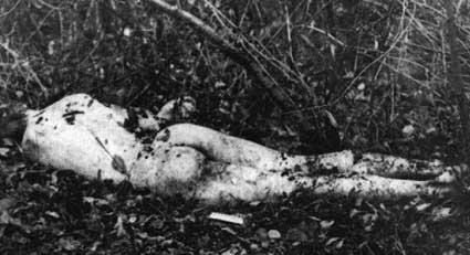 andrei-chikatilo-crime-scene-naked-victim.jpg