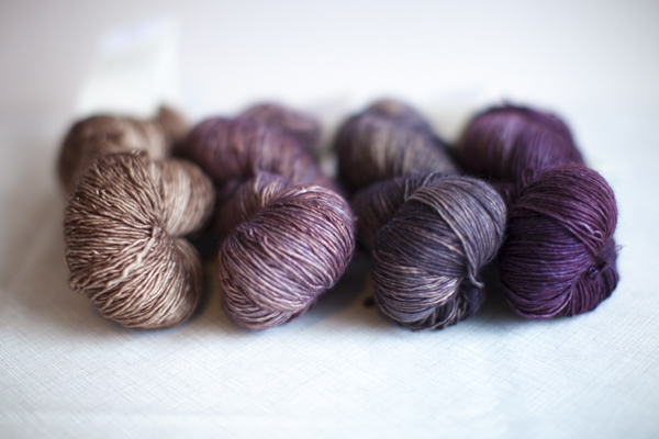 Colors (from left to right): Cove, Riverbed, Poivre, Albizia