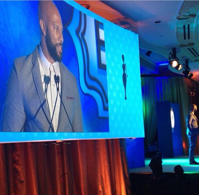 Common speaks! The teleprompter wasn't working so he broke out in a freestyle rhyme. The place went wild!