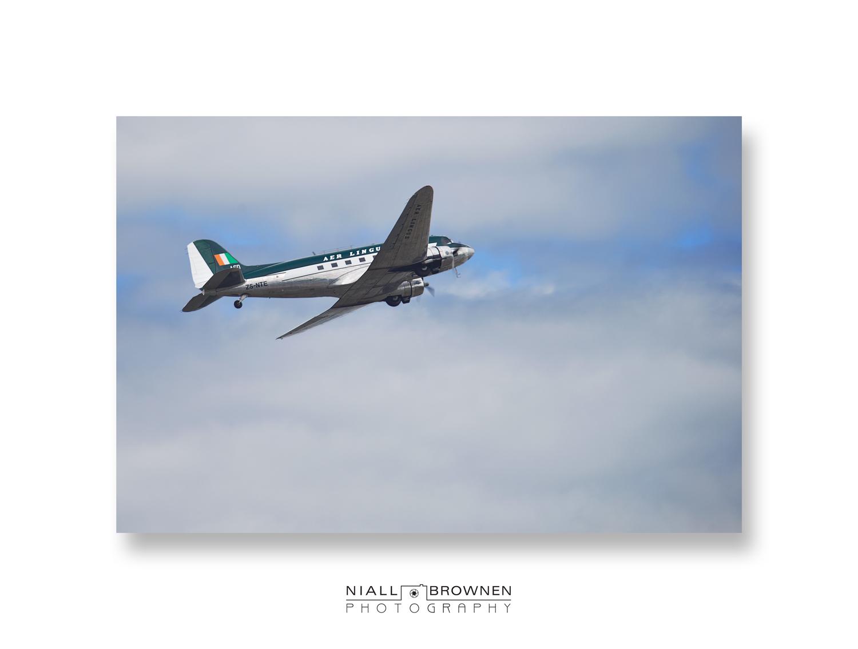 Douglas DC-3.jpg
