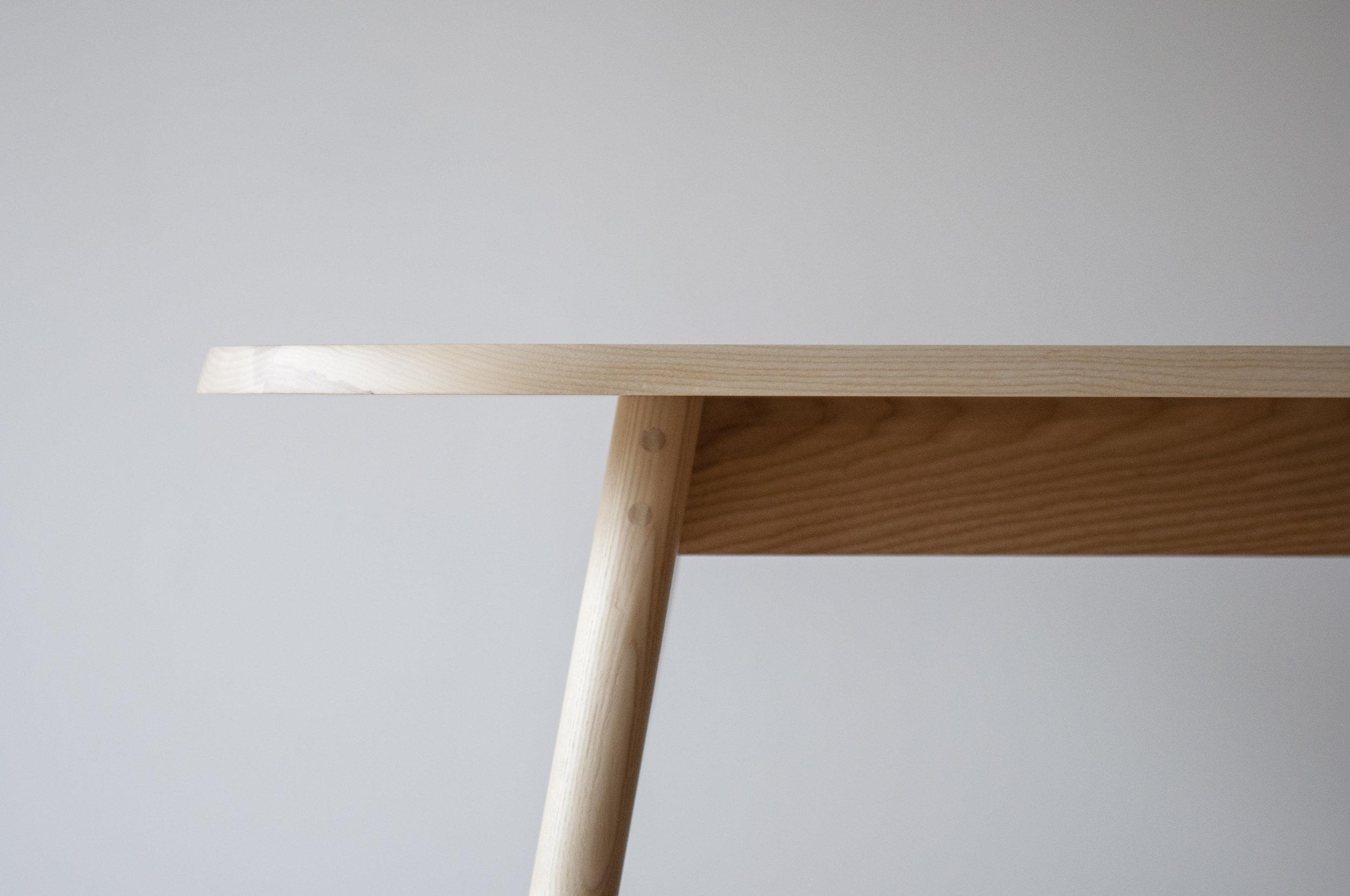 ETABLI_BISTRO_TABLE_©_DIKINI-02.JPG