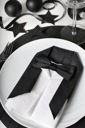 Tuxedo Inspired Table Decor.    From formal to buffet settings, there is something for everyone.