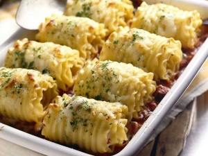 Chicken and Cheese Lasagna Rollups.    A unique and delicious way to serve a favorite at your wedding reception.