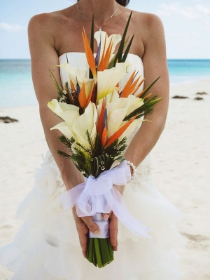 Top 10 Wedding Bouquet By Style.    From the classically romantic to vibrant bouquets.
