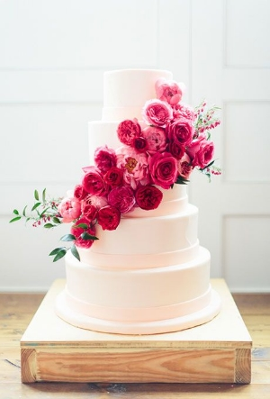 37 of the Prettiest Floral Wedding Cakes.    Whether you want sugar flowers or fresh blooms, flowers are the prefect accessory for your wedding cake.