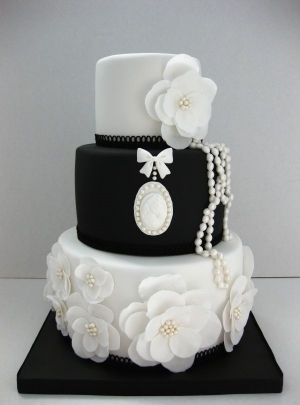 Black and White Wedding Cake Ideas.    Classic colors and unique designs for your wedding.