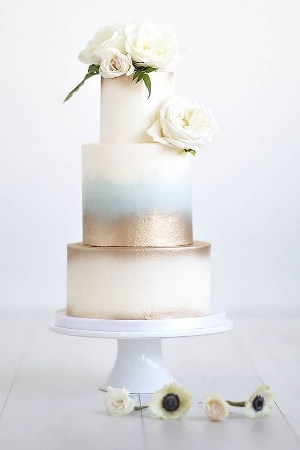 24 Simple Romantic wedding Cake Design.    Beautifully designed cakes that you will want to have for your wedding day.