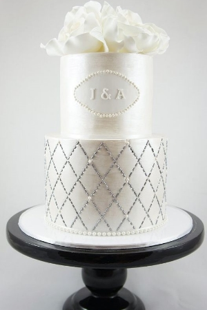 Eye-Catching Wedding Cake Inspiration.    Breathtaking cakes with the wow factor.
