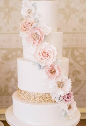 35 Chic and Classy Wedding Cake Designs.    Be inspired by this collection of cakes.