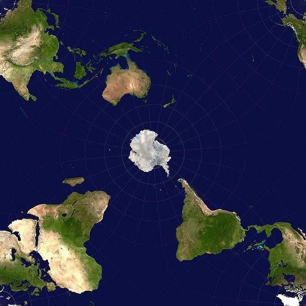 Antarctica below New Zealand.jpg
