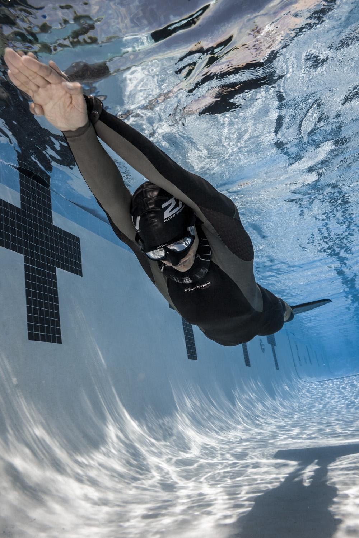 Freediver training with mono fin for dynamic swim.