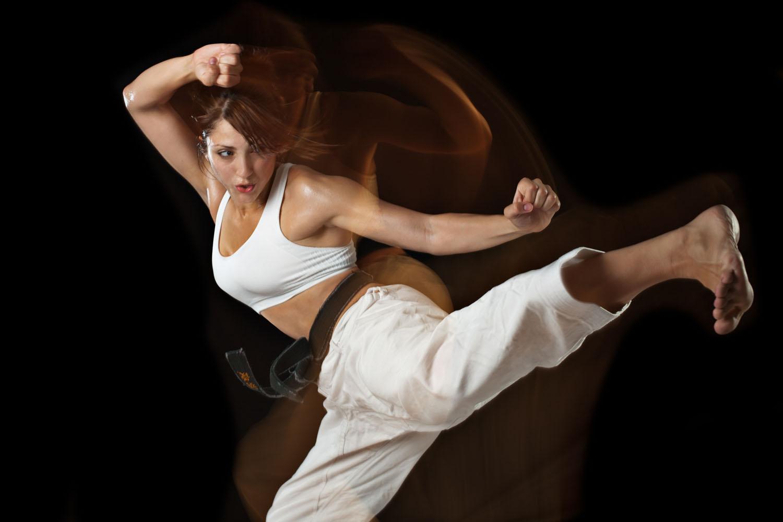 Lindsay_Karate_kick.jpg
