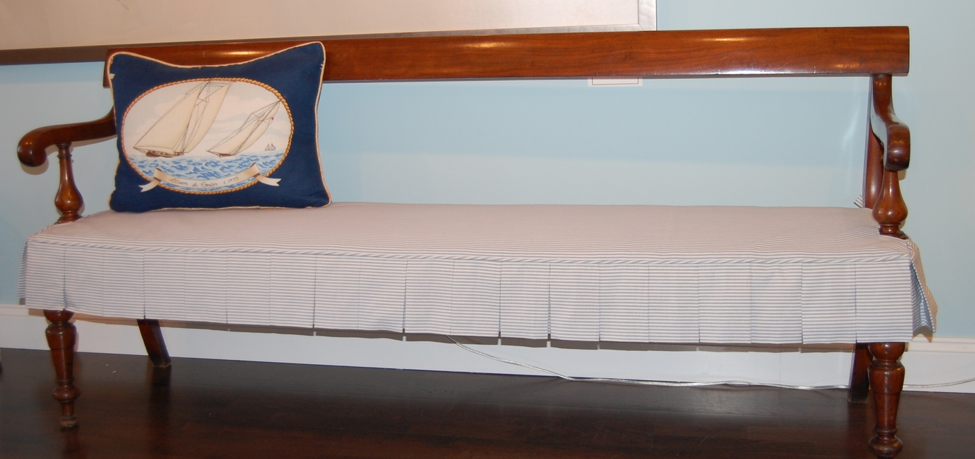 Pleated Seat Bench