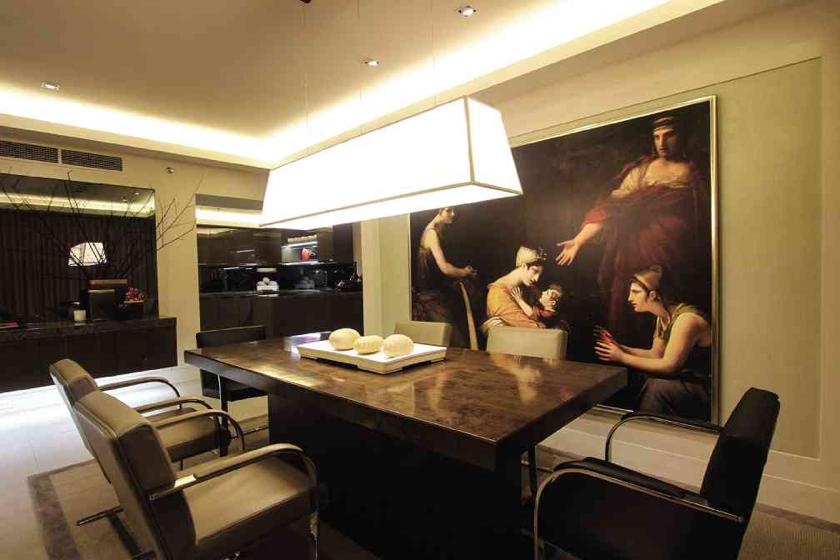 Interior Design by Butch Valdez; Photo Mural from Raji RM