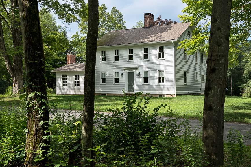 A Massachusetts Farm House by Crisp Architects