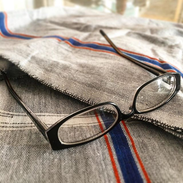 Love the simplicity of these soft gray towels completely handmade in cotton from India! #handmade #bath #bathtowels #cotton #sustainable @rajirmdesign #fabric #home #handloom #handwoven #sustainableliving #color #linen #india #incredibleindia