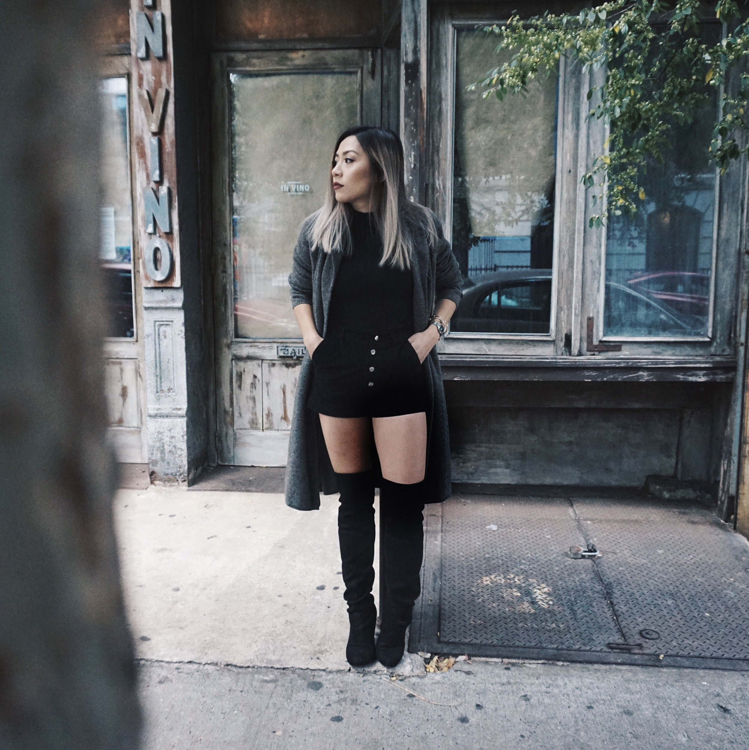 ALL BLACK FOR THE GLOOMY DAYS | ft button up suede shorts