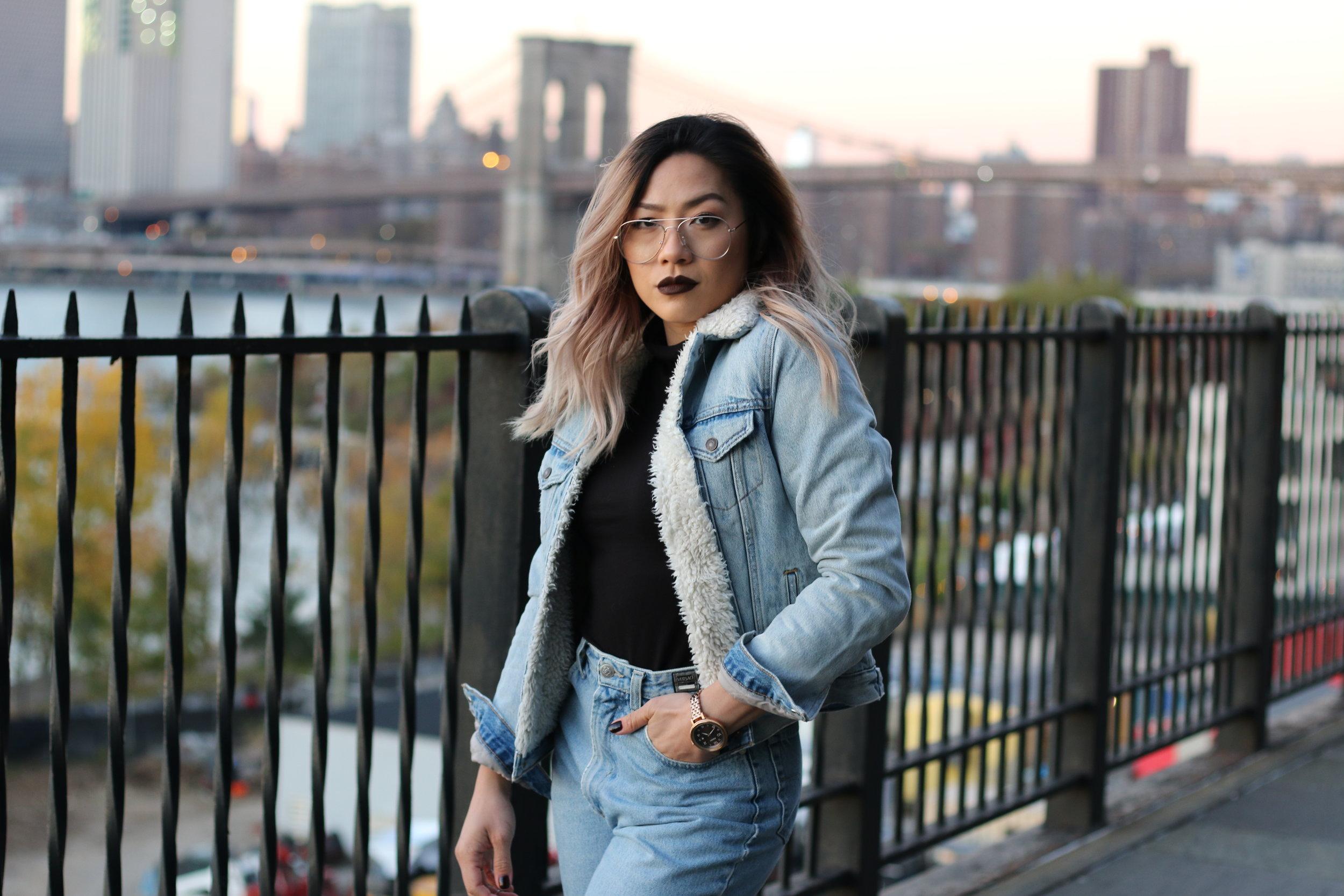 mom jeans, levis women sherpa trucker jacket, mom jeans, vintage style outfit