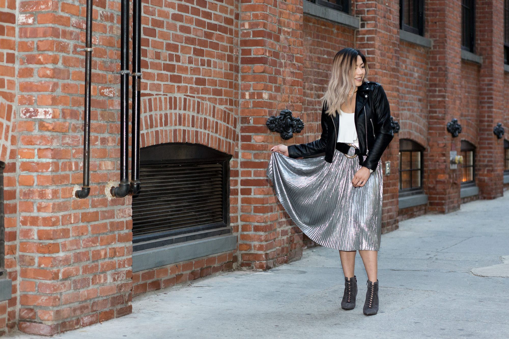 Elva Metallic Pleated Midi Skirt, boohoo, kendal and kylie lace up booties, streetstyle, blogger, outfit