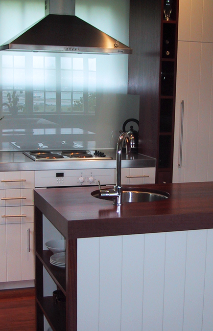kitchen-seatoun-htgs-backsplash.png