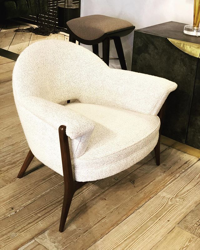 Oh i do love this chair @coupdetatsf