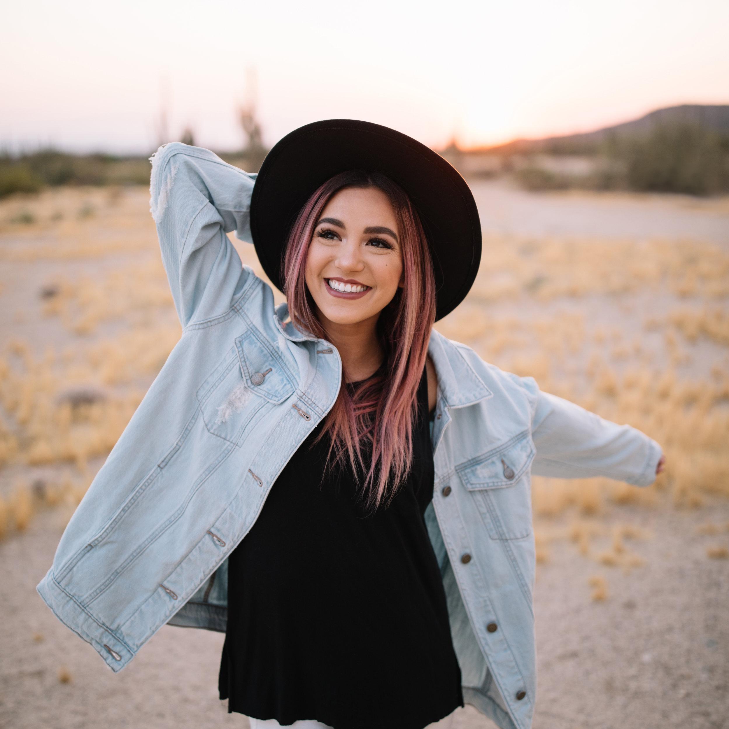 Ali Castillo - @alexiisthereseFashion Blogger