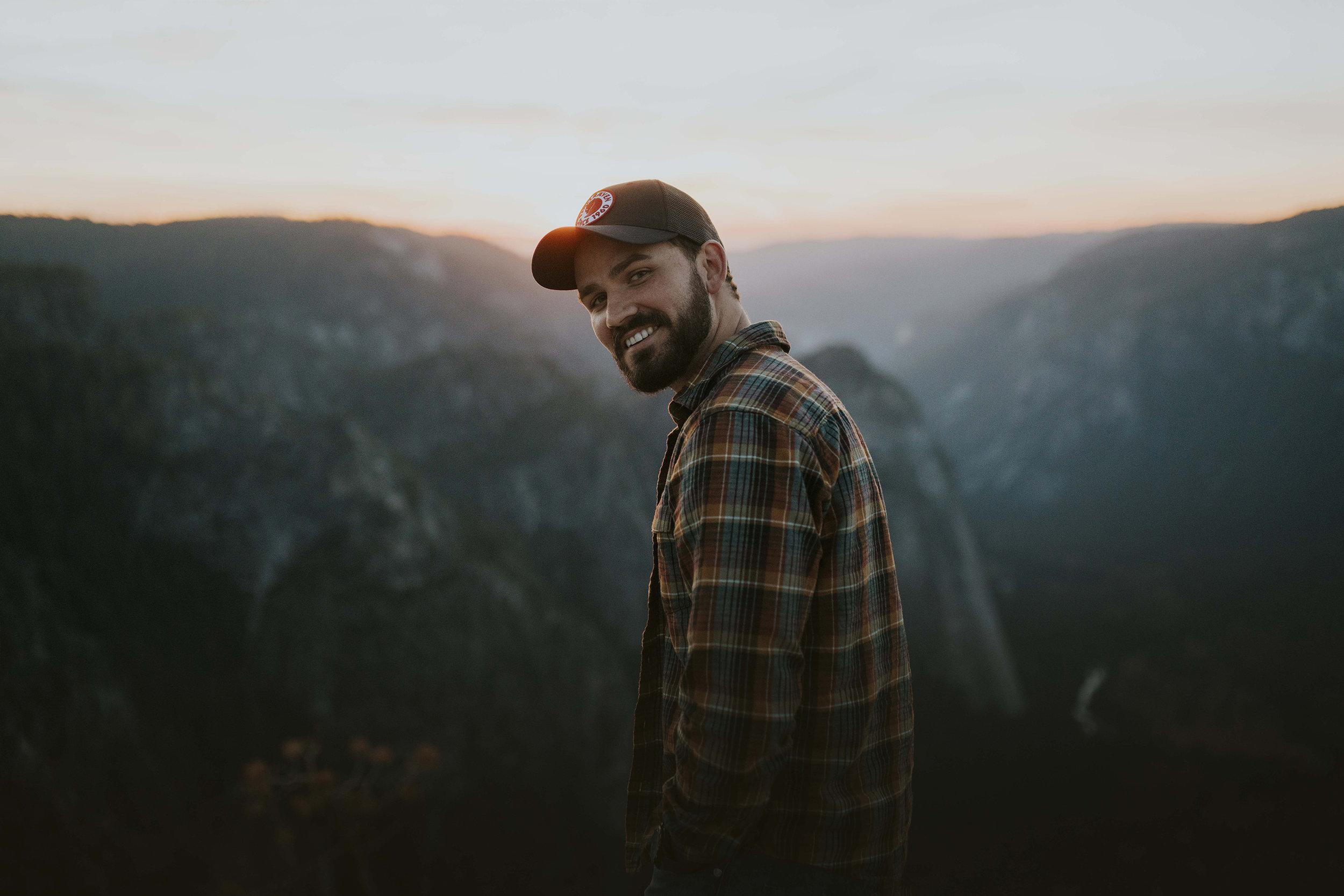 Garrett King - @shortstacheFreelance Photographer & Videographer