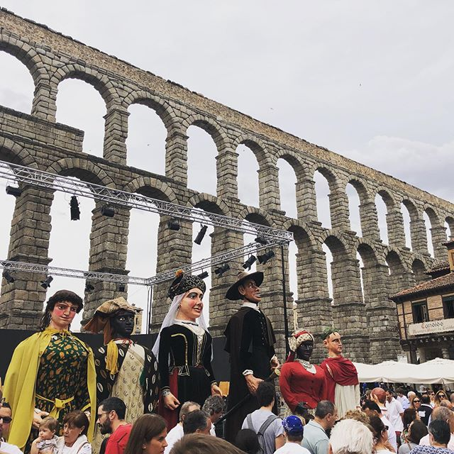 Day off! Big puppets and ancient aqueduct. #acrobuffos #clownsbentonworlddomination