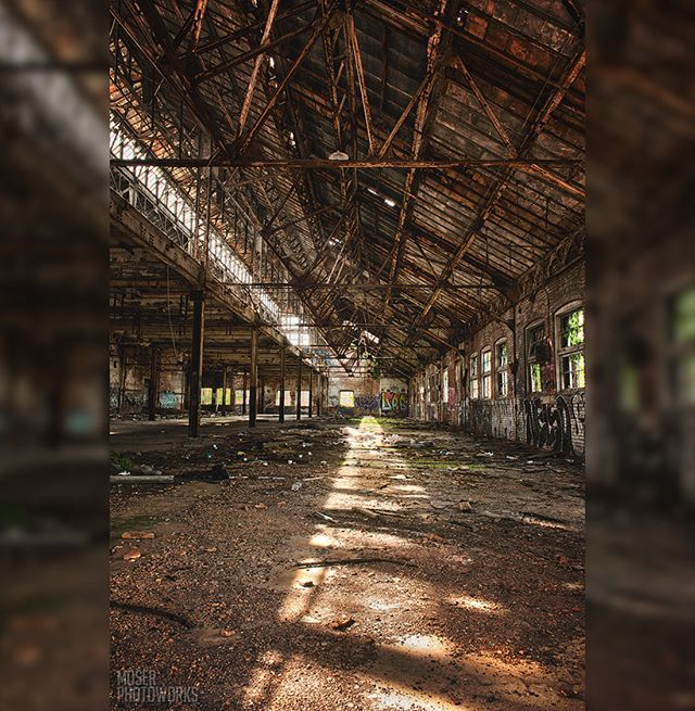 """Go oft to the house of thy friend, for weeds choke the unused path."" ― Ralph Waldo Emerson (Cleveland, Ohio)⁣ ⁣#nikon #d750 #abandonedplaces #abandoned_world #savethedecay #westinghouseelectric #cleveland #theland #thisiscle #urbanphotography #factory #rotton #errie #graffiti #architecture"