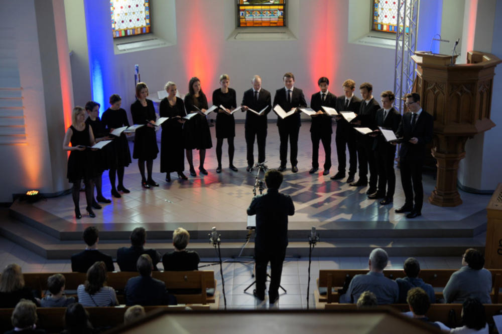 "The Zurich Chamber Singers perform ""De profundis"""